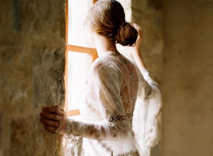 Erdei álomból, valóság – Claire Pettibone esküvői ruhái