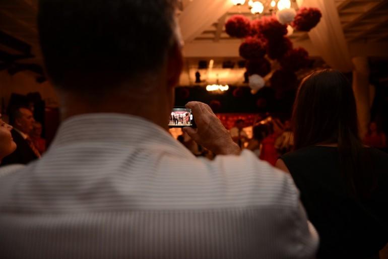 Esküvő a közösségi oldalak hálójában