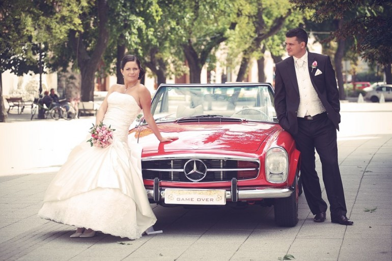 Esküvői fotózás cabrióval
