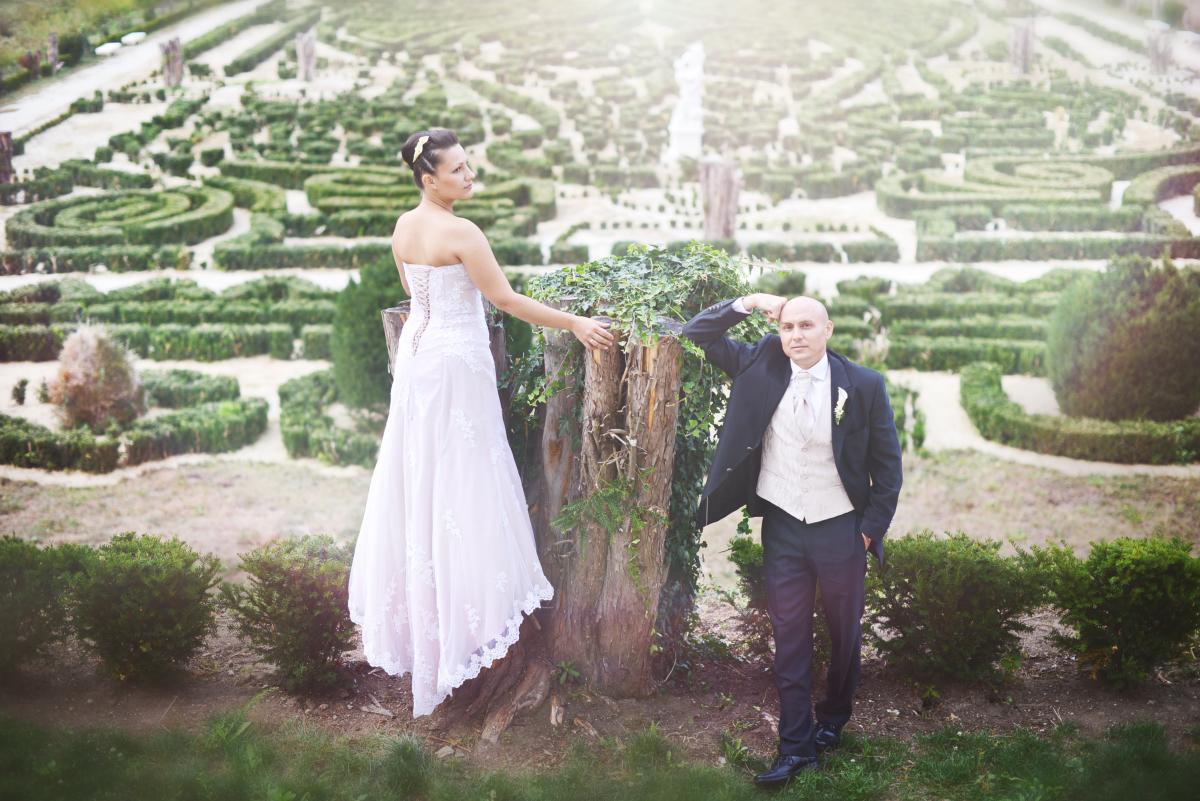 Modern és vintage stílus találkozása Evelin és Laci esküvőjén Fotó: VivienNaomi Photography