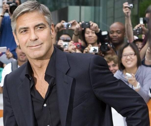 George Clooney és kedvese szeptemberben összeházasodnak