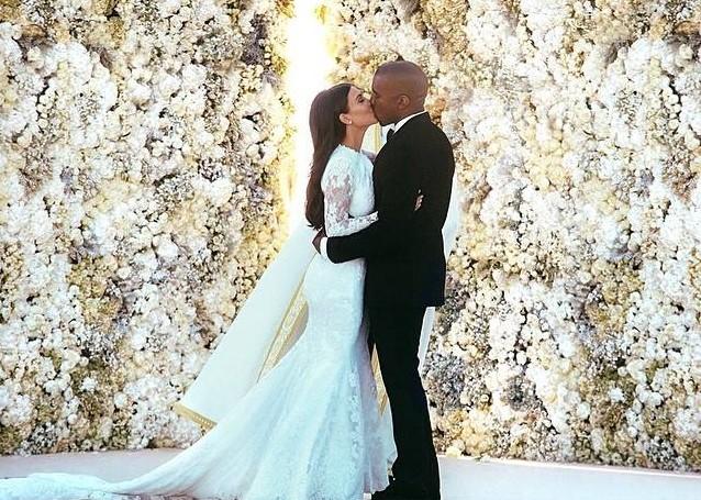 Kim Kardashian és Kanye West összeházasodott