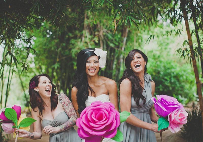 Menyasszonyi csokor helyett óriás virágok