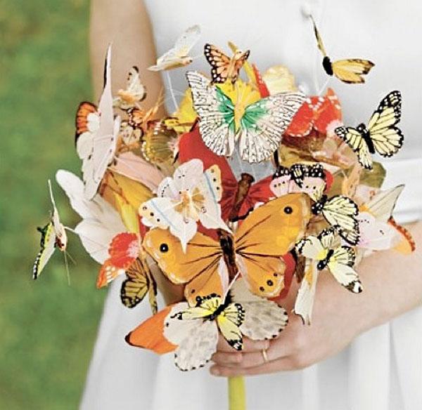 Menyasszonyi csokor pillangókkal