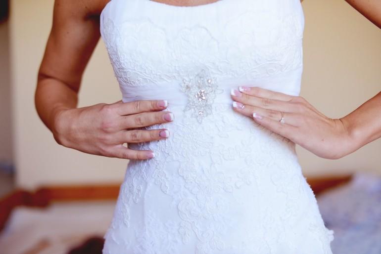 Kinek való? – Az egyenes fazonú menyasszonyi ruha