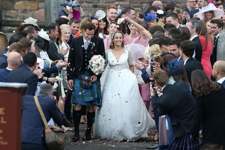Skót szoknya és óriási tömeg – Bekötötték Andy Murray fejét
