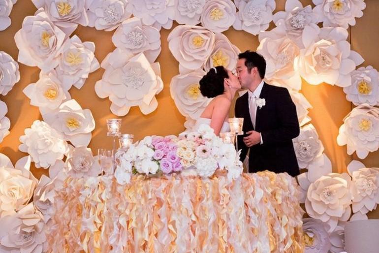 Papírvirág fal a legújabb esküvői trend?