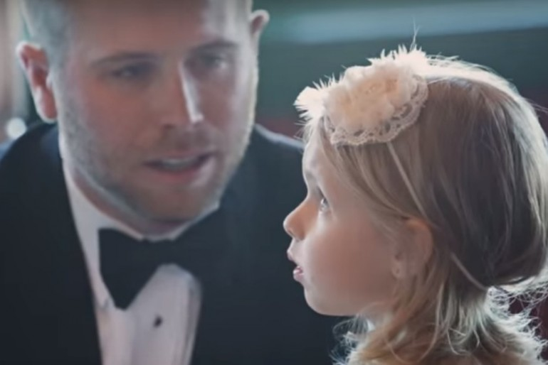 Szeretnél egy jót zokogni esküvői videón?