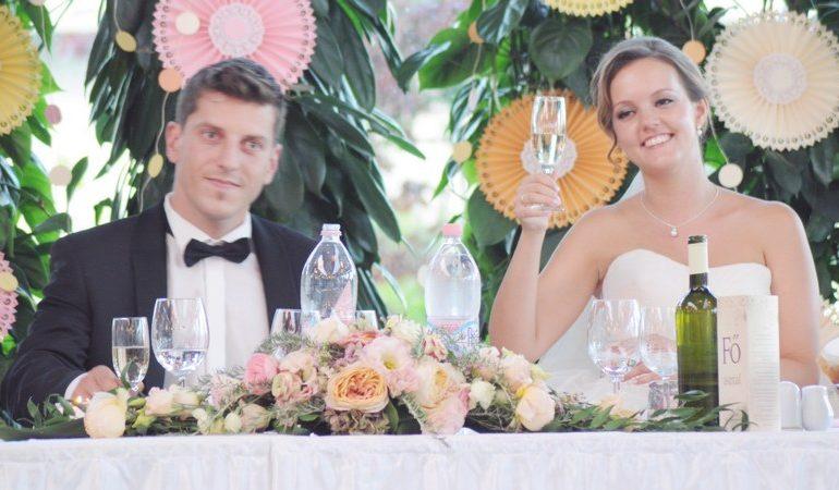 5 tipp, hogy jó legyen az esküvői pohárköszöntő