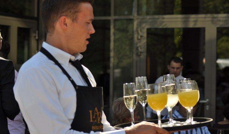 A megfelelő italválasztás az esküvőn – mit, mikor, hogyan kínáljunk?
